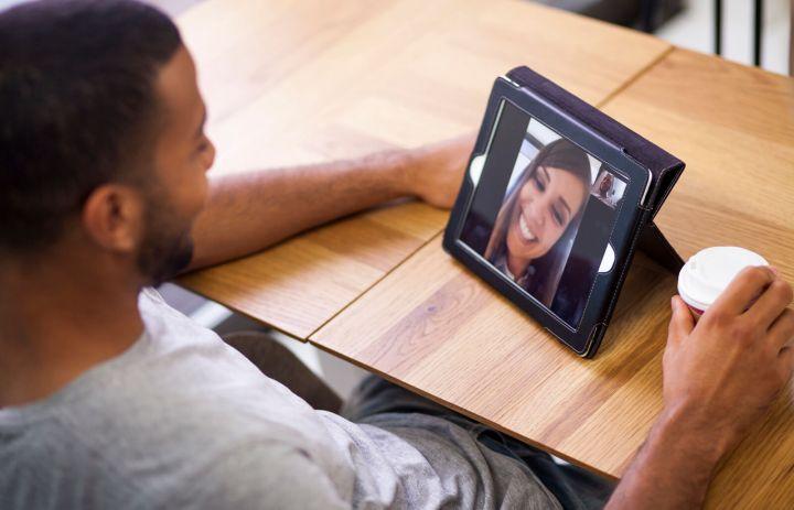 27 Creative Long-Distance Relationship Ideas | LoveToKnow
