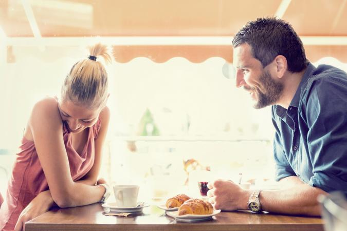 12 Great Romantic Conversation Starters LoveToKnow
