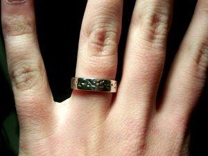 What Finger Do You Wear a Promise Ring On?