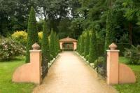 Tuscan Style Landscape Design | LoveToKnow