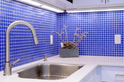 Choosing and Installing Kitchen Backsplash Tiles