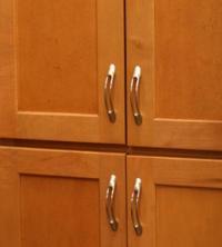 Choosing Kitchen Cabinet Hardware | LoveToKnow