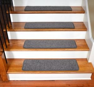 How To Choose The Best Carpet For Your Stairs Lovetoknow | Nylon Carpet For Stairs | Berber Carpet | Non Slip | Tread Covers | Rug | Stairway
