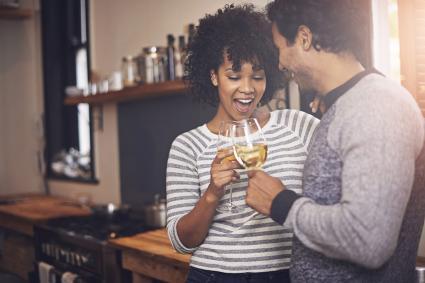 Sorpresas para tu pareja, como celebrar fechas románticas en casa. Ann&Bel Novias. Fiestas privadas, sorpresas románticas, despedidas de soltera