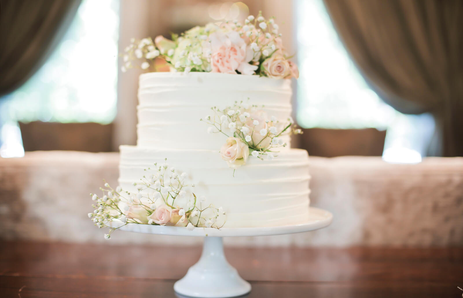 Simple Wedding Cakes With Fresh Flowers Lovetoknow