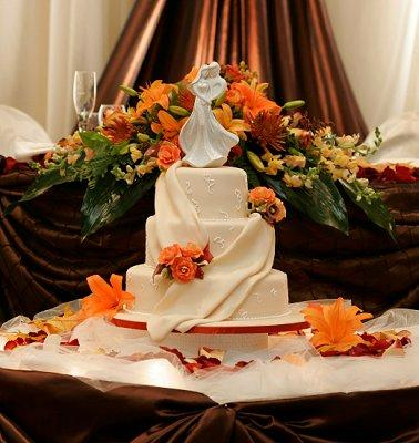 autumn wedding cake decorating ideas decorate wedding cake table fall billingsblessingbags org 10901