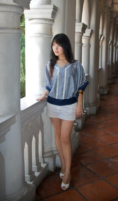 Hotties In Short Skirts 48