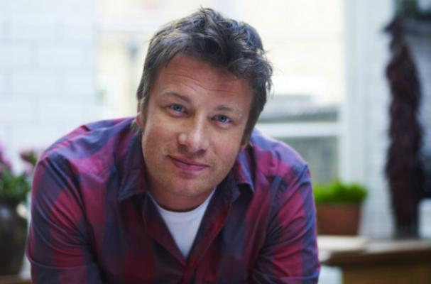Foodista Jamie Oliver To Open A Hot Dog Diner