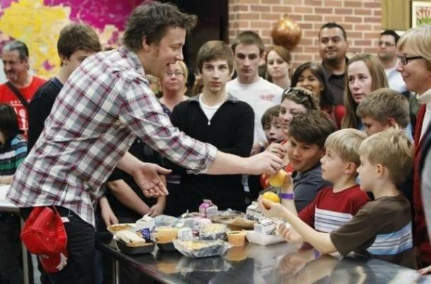 Foodista Jamie Oliver Says UK Government Is Putting His
