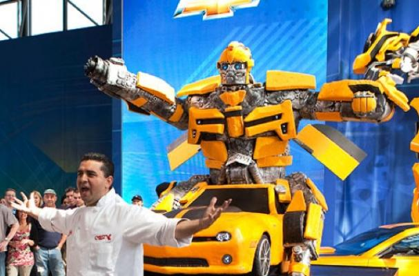 Foodista The 2 000 Pound Bumblebee Cake By Buddy