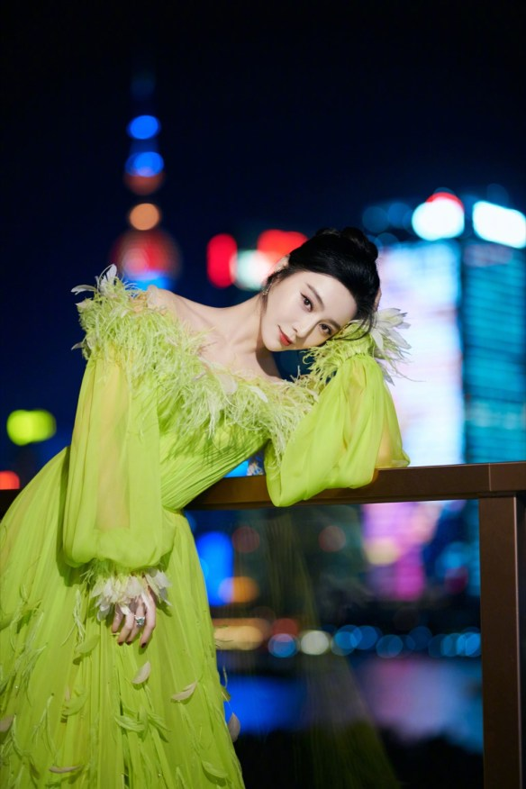 Fan Bingbing is back and she's still the queen of the red carpet