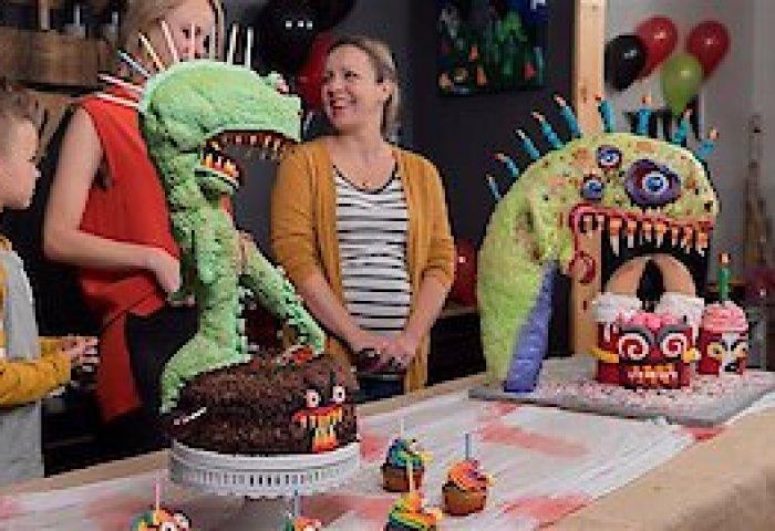 Watch Best Cake Wins Online Full Episodes Of Season 1 Yidio