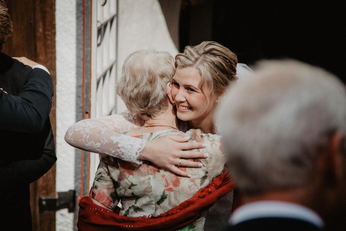 Jennie och davids bröllop i Kungsbacka hanhals kyrka bröllopsfotograf cattis Fletcher Cfoto Göteborg