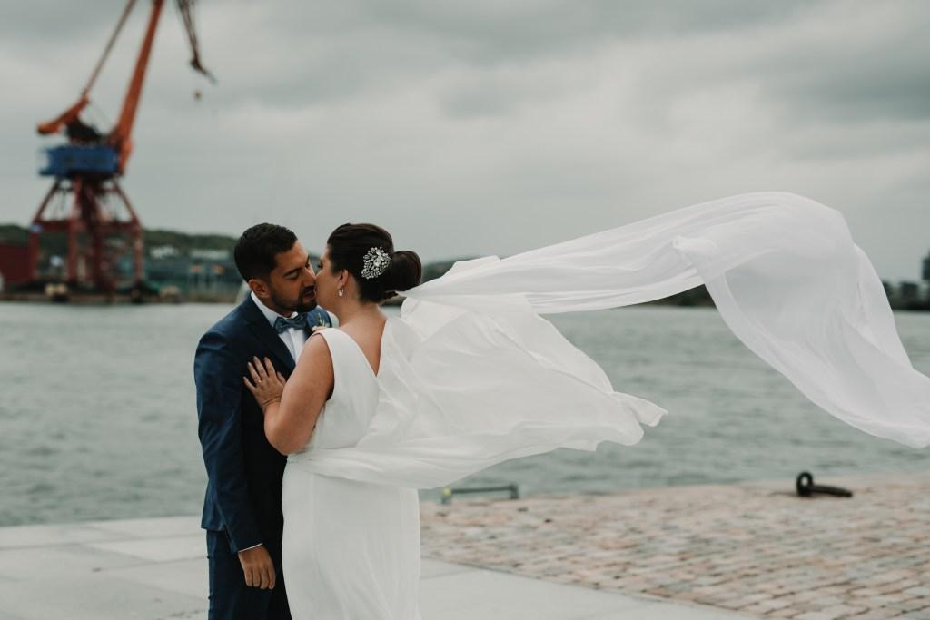 Bröllopsfotograf Göteborg cattis fletcher Sandra och Omids bröllop stenpiren stora Holms säteri