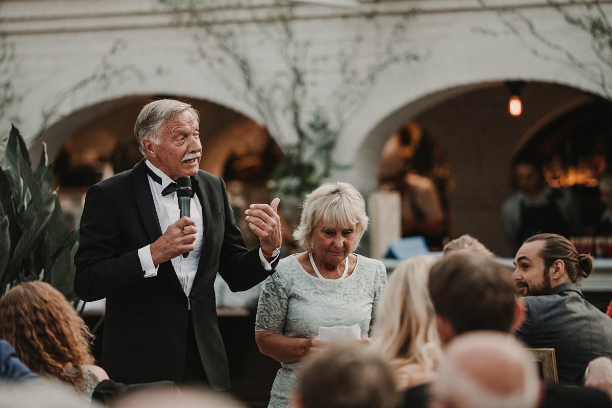 Bröllopstal Brudens far bröllopsfotograf Båstad wedding photographer Norrviken Sweden speeches