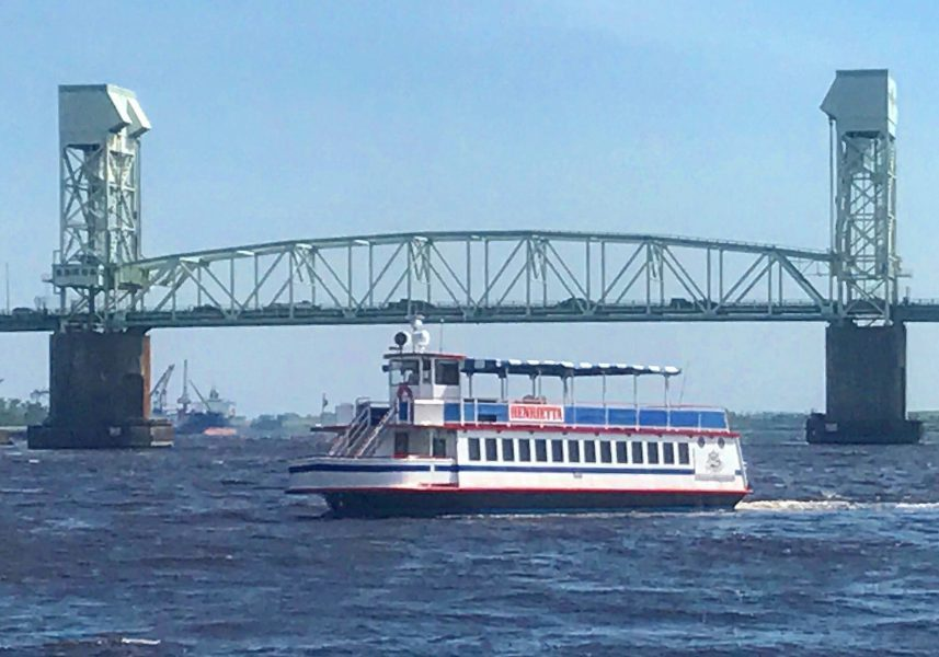 downtown Wilmington sightseeing cruises on the Henrietta