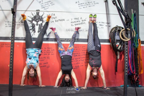 wod CrossFit Sevilla girls training