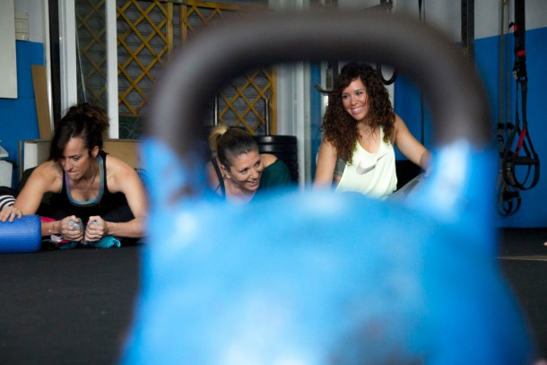 Wod CFS Box CrossFit Sevilla Girls kettlebell