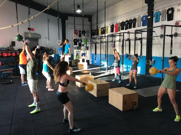 Wod FS Box CrossFit Sevilla Leones training