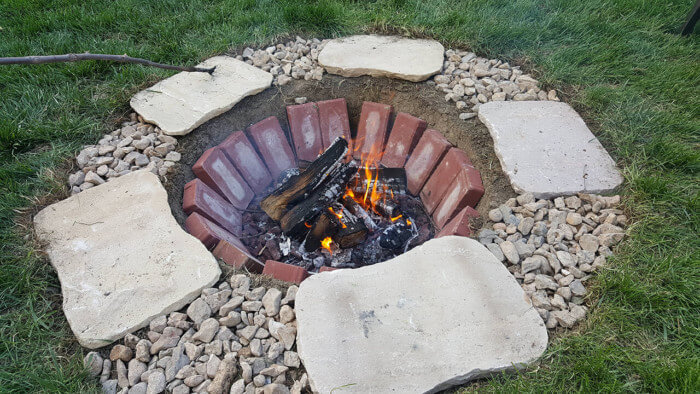 Awesome fire pit ideas patio to make s'mores with your family
