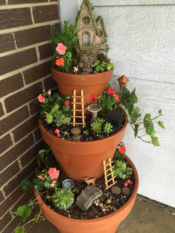 The most popular new flower pots by front door that make sure to inspire you to increase your home beauty.