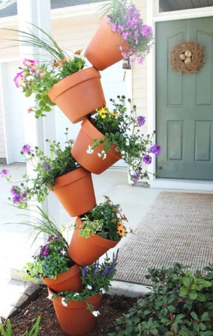 Inspiring front door planter pots that will add personality to your home.