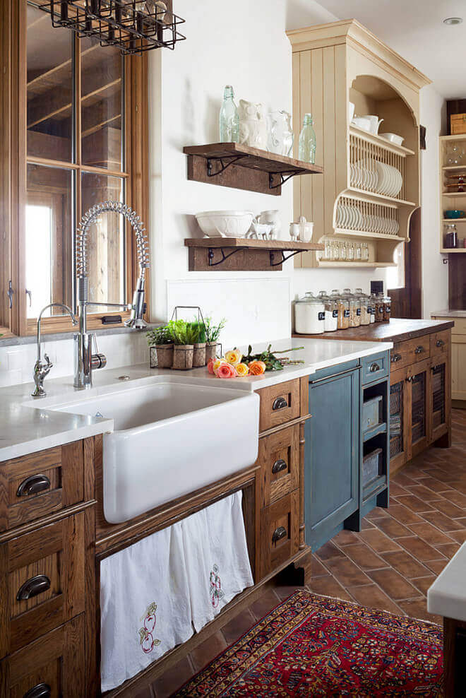 Farmhouse-Style Kitchen: Gorgeous modern farmhouse kitchen dark cabinets that fuse two styles perfectly on a budget
