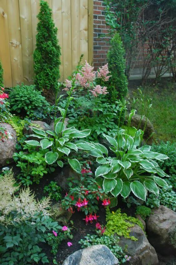 20+ Simple And Small Front Yard Landscaping Ideas (Low ...