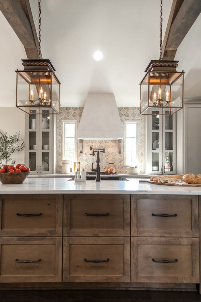 Country Kitchens Design: Cozy and Chic farmhouse kitchen cabinets that will help transform your kitchen into the place you've been craving for so long