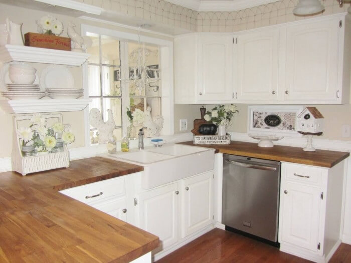Country Kitchen Design Ideas & Pictures: farmhouse kitchen cabinet ideas that fuse two styles perfectly to amp up your kitchen's country style.