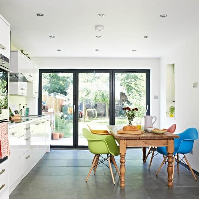These gorgeous interiors prove best kitchen flooring to liven up your kitchen for better a good daily mood.