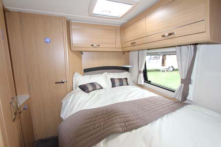 Elddis Compass Omega 540 Bedroom
