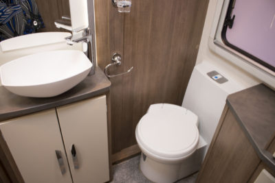 Lunar Alaria RI Caravan wc and basin