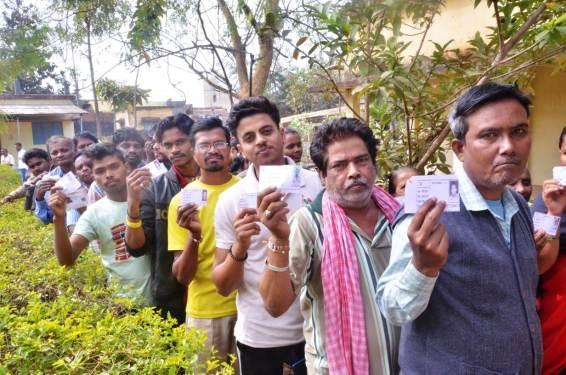 नगर निगम जगदलपुर व नगर पंचायत बस्तर के लिए हुआ शांतिपूर्ण मतदान, युवाओं, महिलाओं और बुजुर्गों ने दिखाया उत्साह, शाम 5 बजे तक जगदलपुर में लगभग 61.34 तथा बस्तर में 80.32 प्रतिशत मतदान