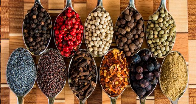 5 temperos para cultivar em casa e como utilizar nas receitas do dia a dia!
