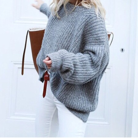 look_pull_gris_oversized_jean_blanc_cabas_marron