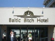 EFWzjenQ22cpNqhgiaqi_Bitch Hotel