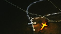 fantasy_art_dark_horror_gothic_cross_religion_chain_jewelry_1920x1080