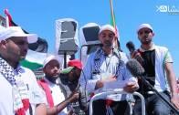 الأستاذ عبد الصمد فتحي يتلو البيان الختامي لمسيرة الرباط