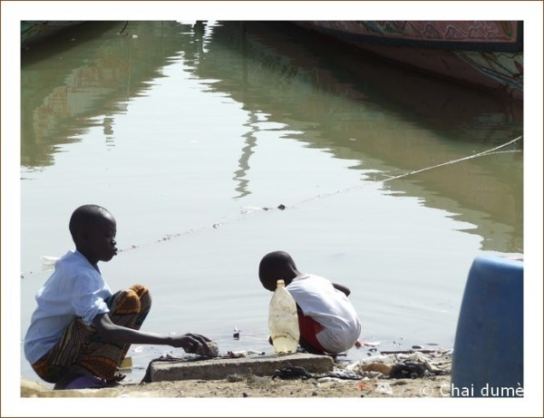Enfants au fleuve