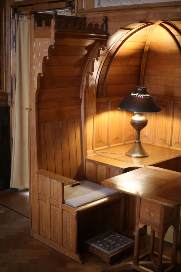 Dijsselhof Throne I56A1020