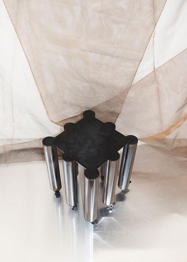 8_legged_stool_blackshade-by-Wendy-Andreu