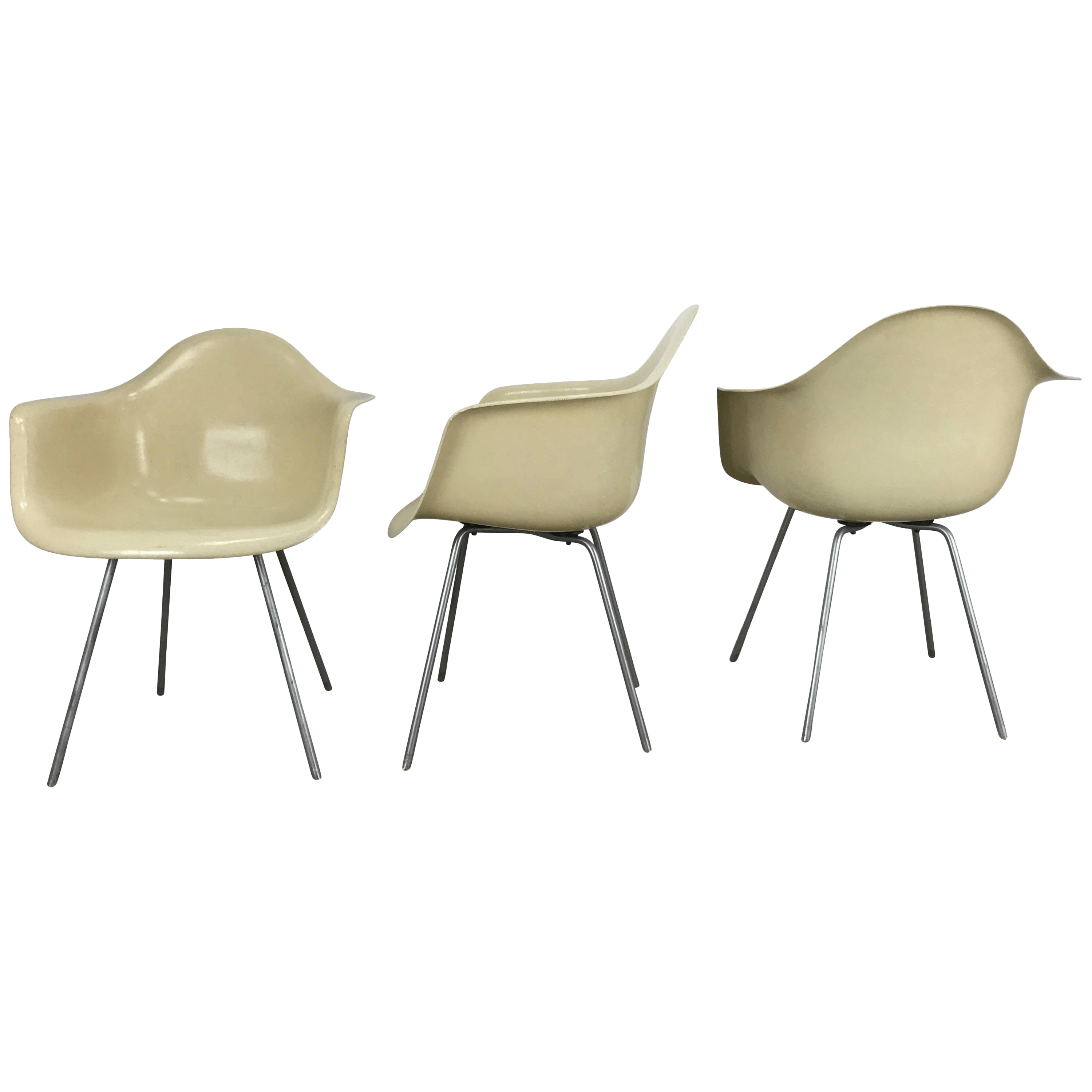 eames arm chair large occasional chairs classic modernist charles and ray shell d a x set of 3