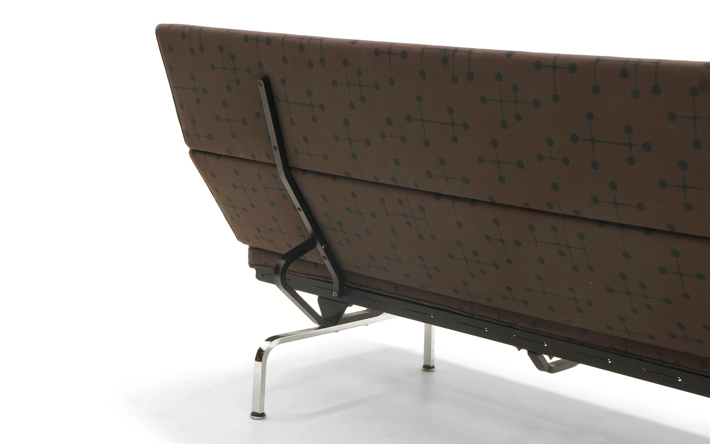 eames sofa compact jong psv helmond sport sofascore distinguished charles and ray for herman miller aluminum in dot pattern fabric