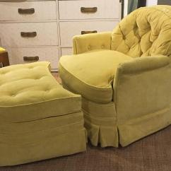 Swivel Club Chair With Ottoman Rail Moulding Lowes Mid Century Drexel Heritage Tufted And For Sale In New York