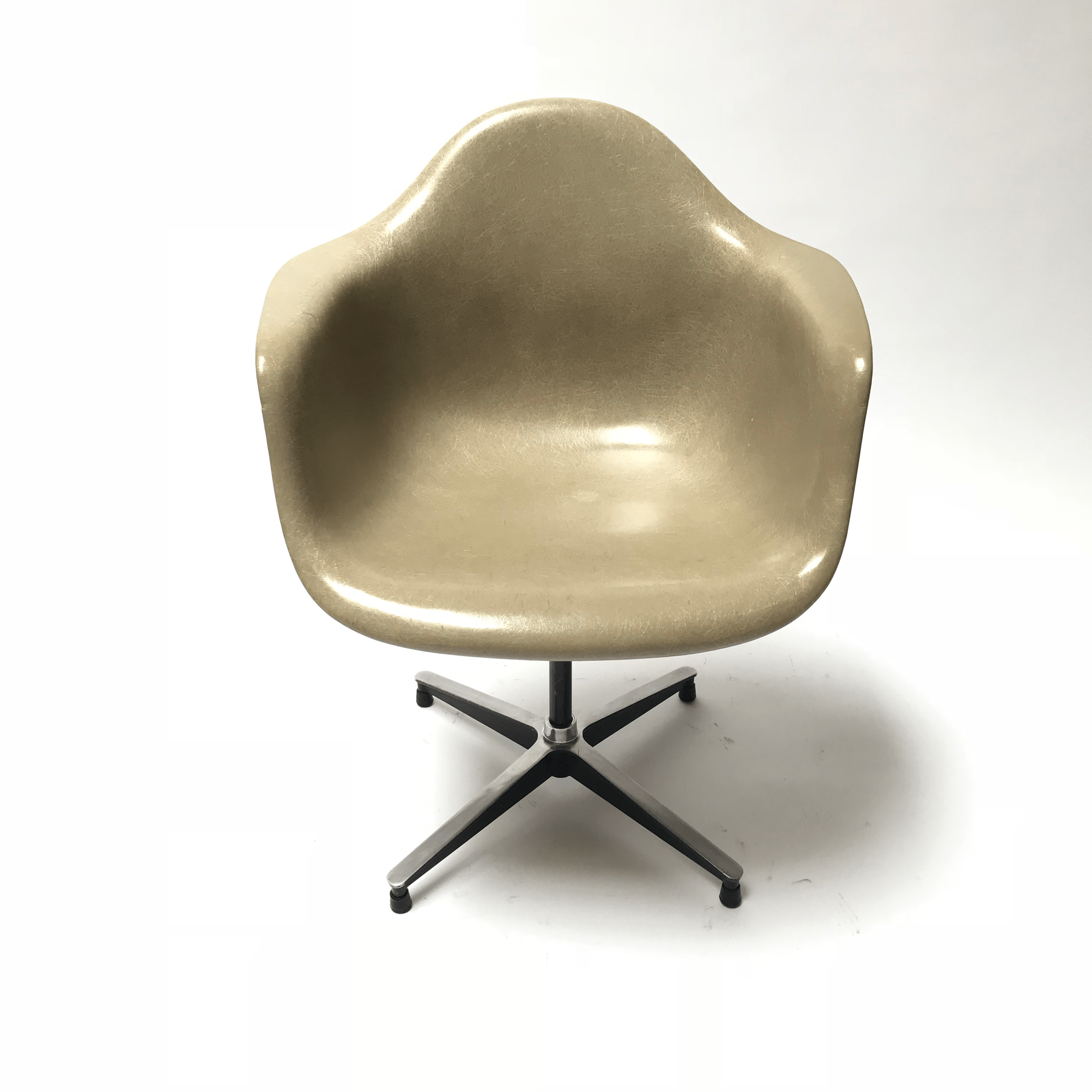 eames arm chair high top table 4 chairs vintage armchair for herman miller chairish fiberglass rare early production swivel base
