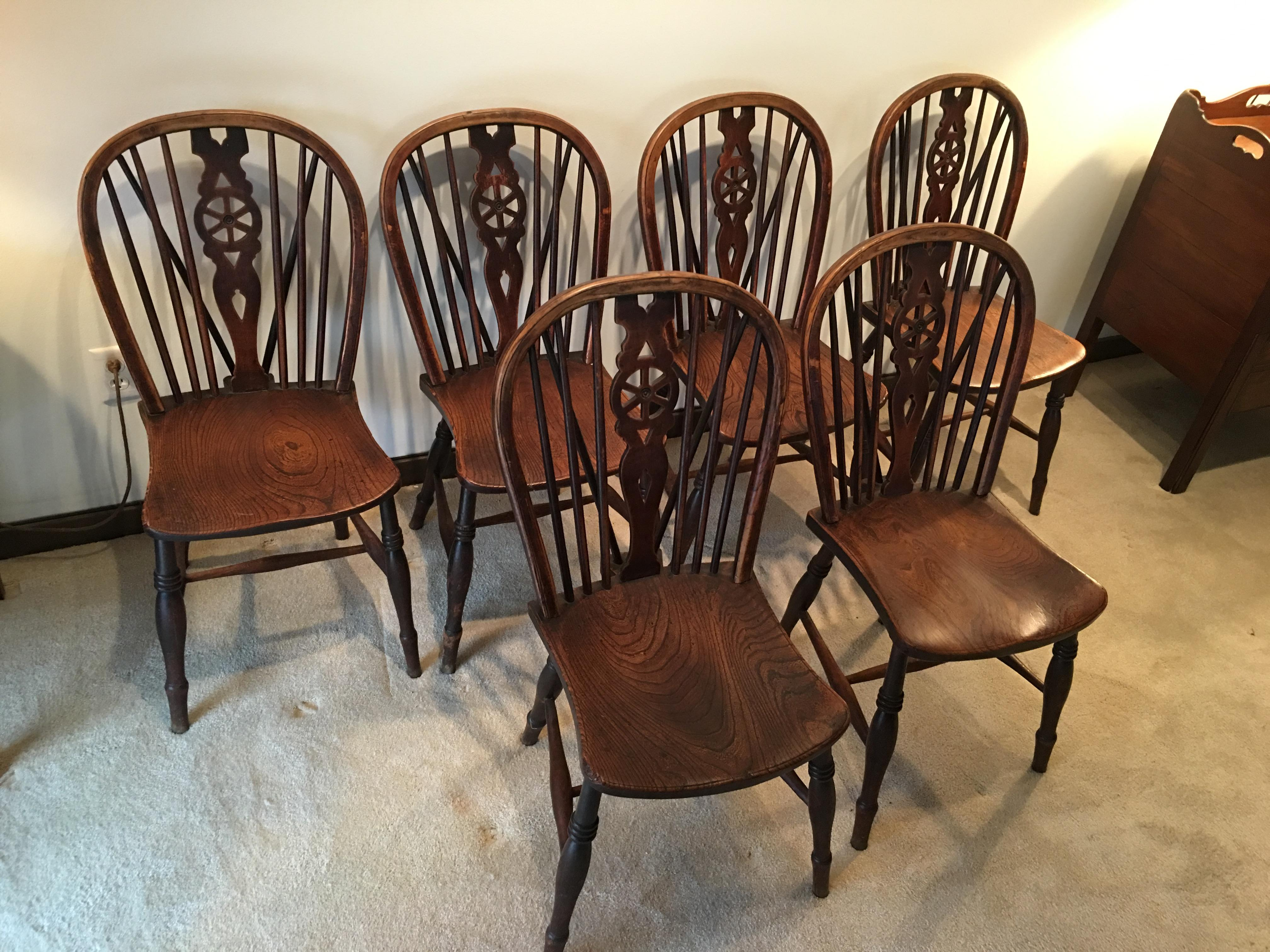 windsor kitchen chairs vanguard furniture dining oak room wagon wheel brace backs set in sturdy condition heavily patina with age height 34 5 inches width
