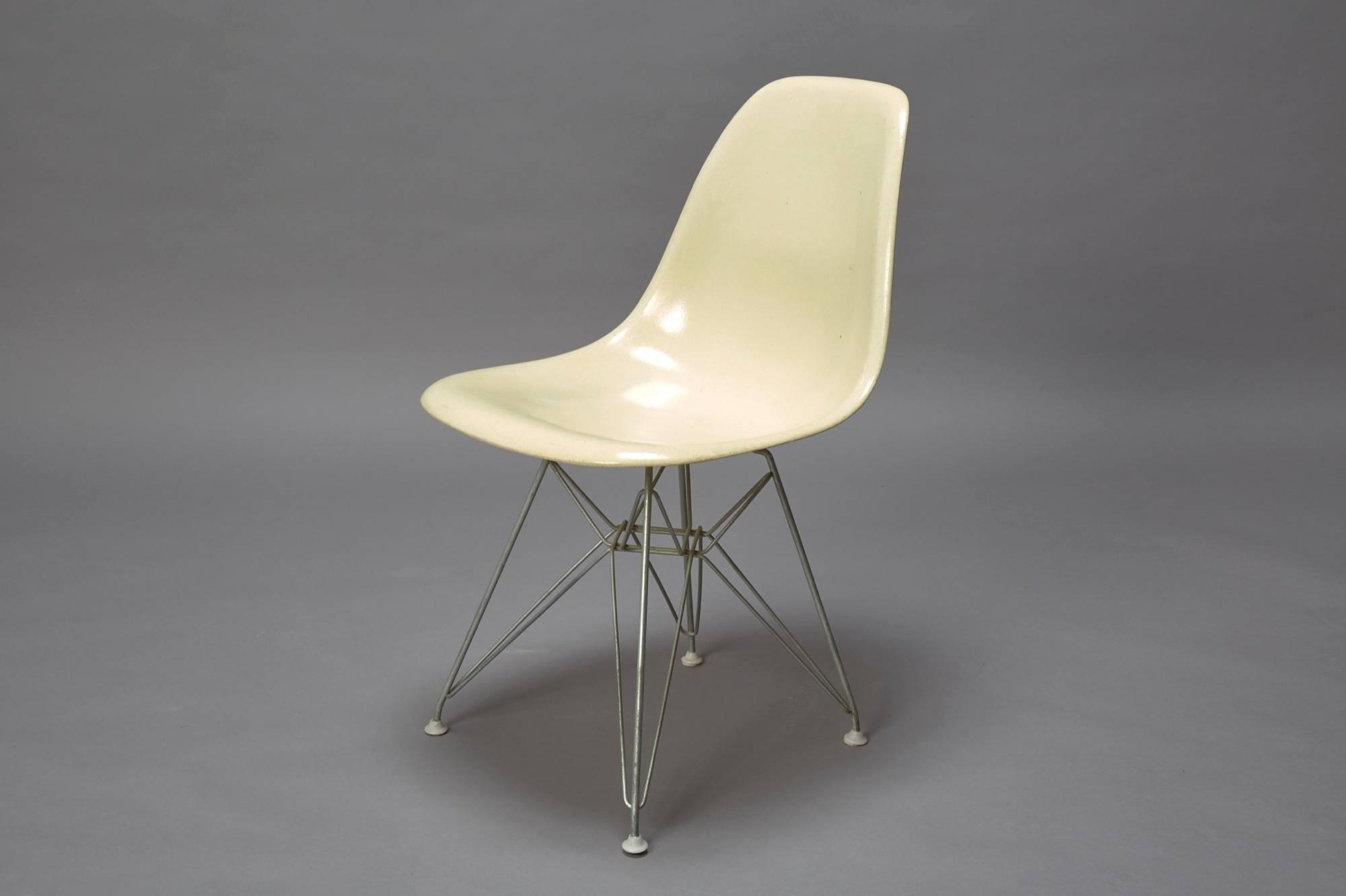 fiberglass shell chair kitchen table and chairs with wheels superb charles eames for herman miller mid century modern original eiffel base