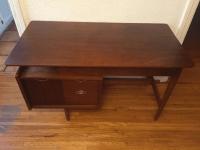 Mid-Century Modern Floating Desk by Hooker | Chairish
