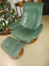 "Ekornes ""Large Royal"" Recliner Chair & Ottoman in Hunter ..."